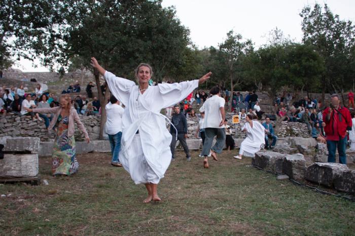 800 θεατές όλη νύχτα στον Παρθενώνα της Πελοποννήσου - εικόνα 2