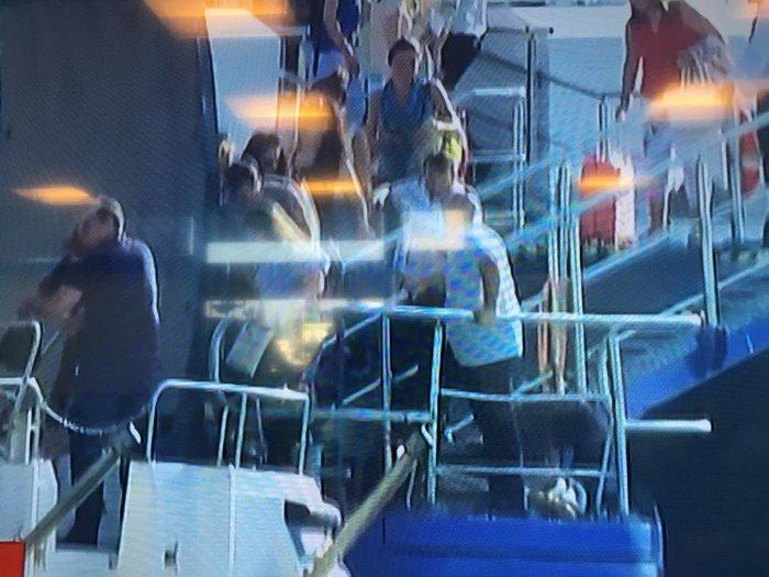 Ραφήνα: Εκκενώθηκε το Flyingcat 4, προσέκρουσε στο λιμάνι - εικόνα 3
