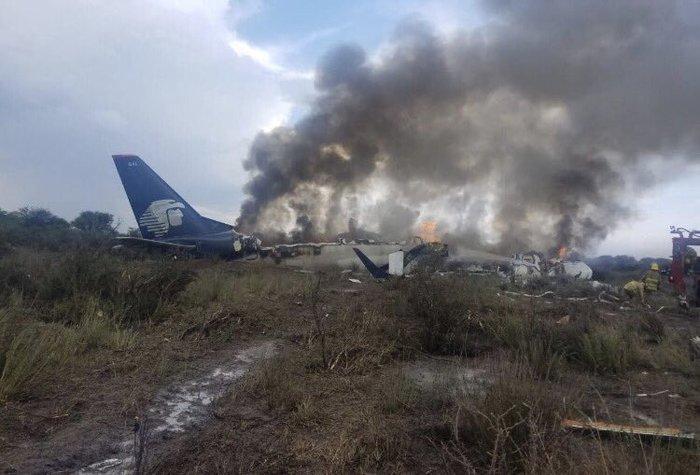 Μεξικό: Συνετρίβη αεροσκάφος, αλλά οι 100 επιβάτες σώθηκαν