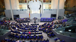Την εκταμίευση της τελευταίας δόσης αποφασίζει η γερμανική Βουλή