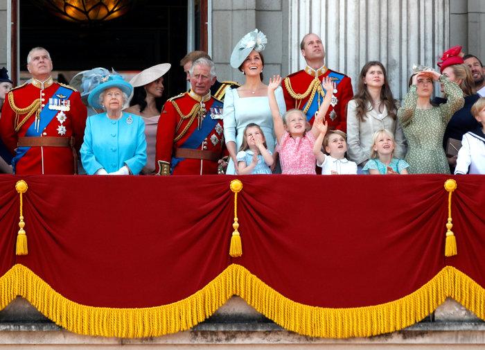 Θα του κλείσουν το στόμα: Το παλάτι έξω φρενών με τον πατέρα της Μαρκλ - εικόνα 5