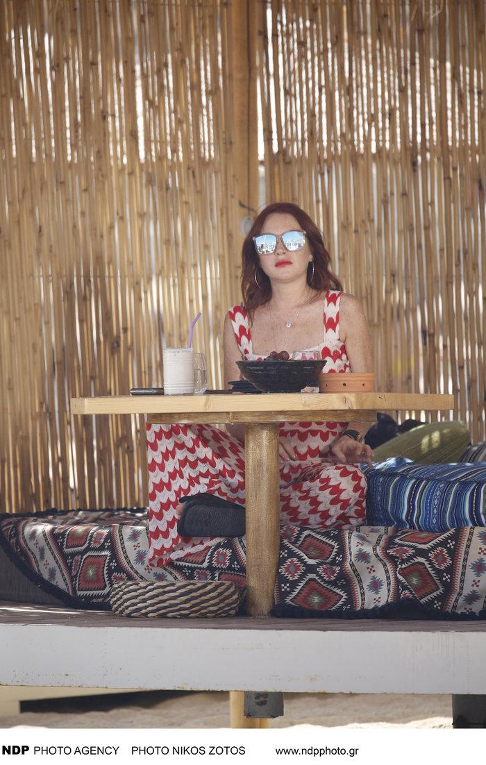 Οι πρώτες εικόνες από τα γυρίσματα του ριάλιτι της Λίντσεϊ Λόχαν στη Μύκονο