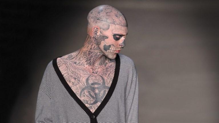 h-suntomi-istoria-tou-montelou-me-ta-tatouaz