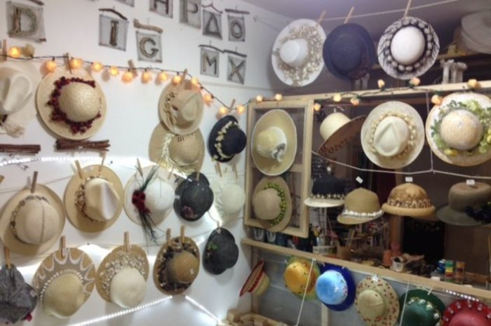 Κρ. Κατσούλης: Το υπέροχο μαγαζί της καλλιτέχνιδος μαμάς του στα Κουφονήσια - εικόνα 3