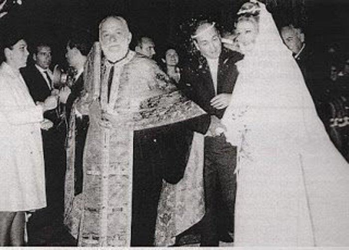 Ζωή Λάσκαρη: Για αυτό δεν είδαμε ποτέ εικόνες από τον γάμο με τον Λυκουρέζο - εικόνα 4