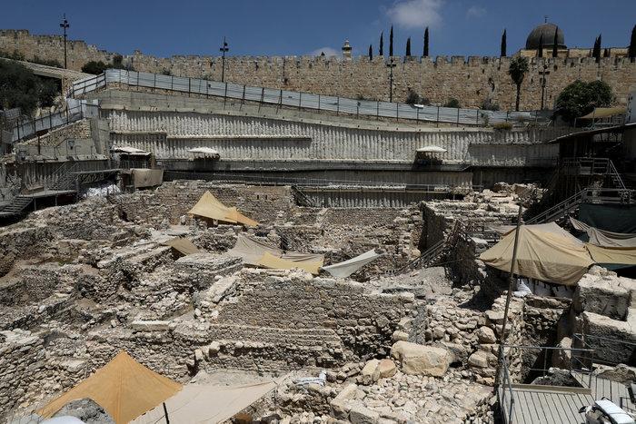 Ιερουσαλήμ: Μεγάλη έκπληξη η ανακάλυψη ελληνικού στυλ αρχαίου ενωτίου - εικόνα 3
