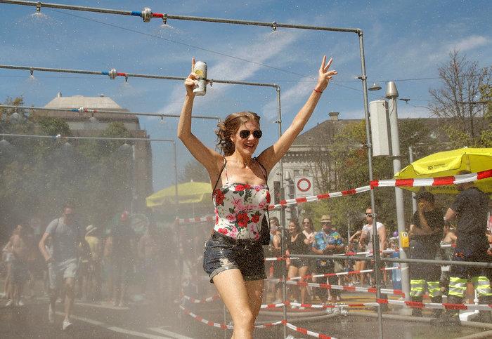 To Street Parade της Ζυρίχης - εικόνα 2
