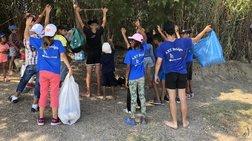 Ρομά και προσφυγόπουλα καθάρισαν την παραλία (φωτό)