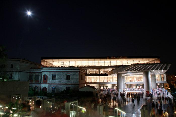 Πανσελήνος με αφιέρωμα στον ελληνικό κινηματογράφο στο Μουσείο Ακρόπολης