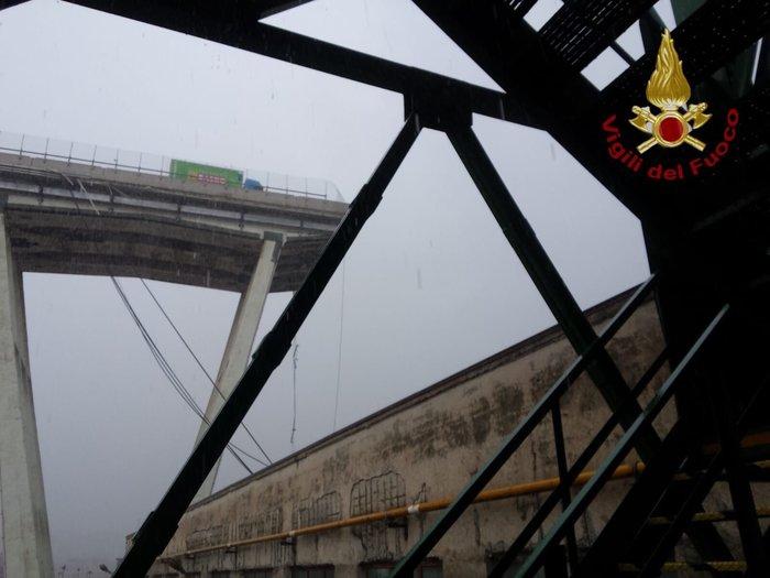 Ιταλία: Τουλάχιστον 22 νεκροί από την κατάρρευση γέφυρας - εικόνα 3