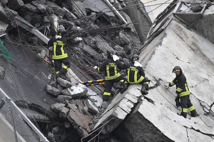 Ιταλία: Τουλάχιστον 22 νεκροί από την κατάρρευση γέφυρας
