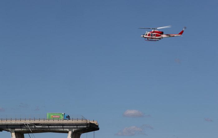 Γένοβα: Μάχη με τον χρόνο από τα σωστικά συνεργεία στη γέφυρα (φωτό) - εικόνα 2