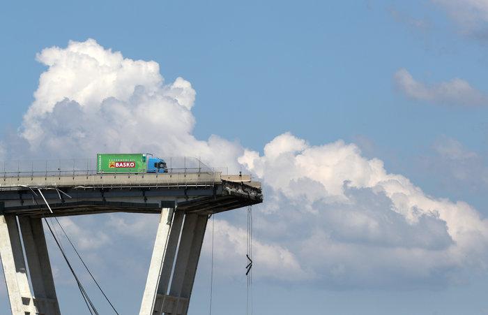 Γένοβα: Μάχη με τον χρόνο από τα σωστικά συνεργεία στη γέφυρα (φωτό) - εικόνα 3