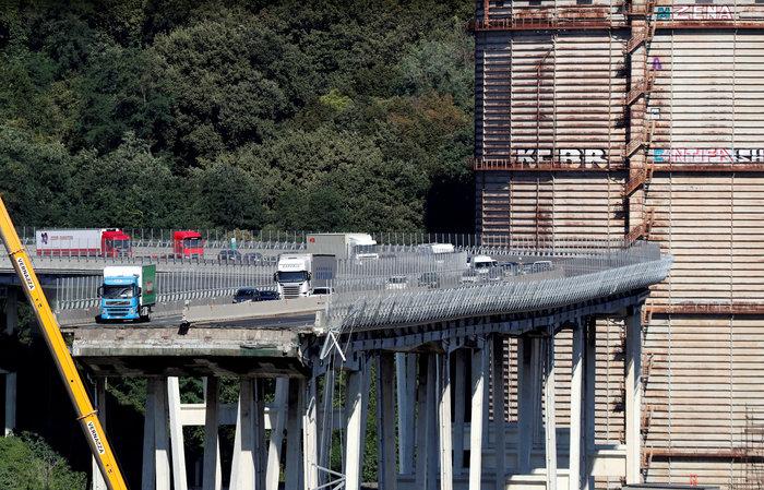 Γένοβα: Μάχη με τον χρόνο από τα σωστικά συνεργεία στη γέφυρα (φωτό) - εικόνα 4