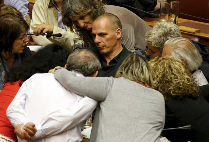 Reuters: Τα χρόνια των μνημονίων σε 40 συγκλονιστικές εικόνες - εικόνα 13