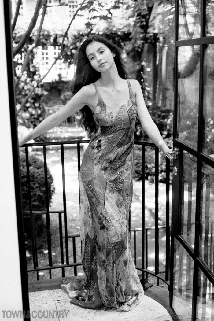 Κάρις Ζέτα Ντάγκλας: Η κόρη του διάσημου ζευγαριού έχει στιλ και τρόπους - εικόνα 3