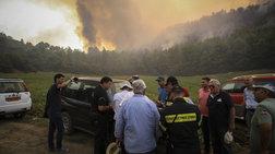 Σε χαράδρα μαίνεται η φωτιά στην Ηλεία