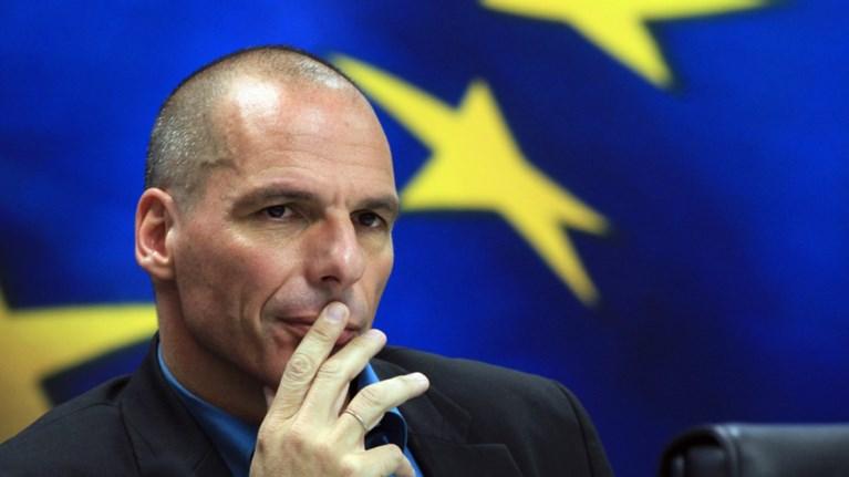 o-baroufakis-sxoliazei-to-diaggelma-tsipra-me-transformers-kai-nintza