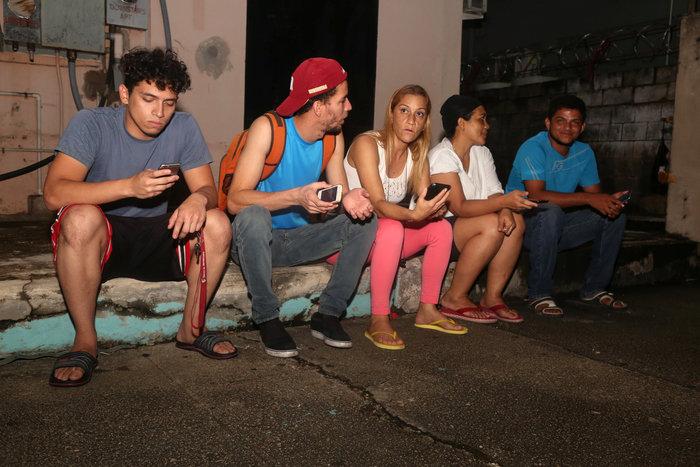 Πανικός την στιγμή του σεισμού 7,3 Ρίχτερ στη Βενεζουέλα - εικόνα 2