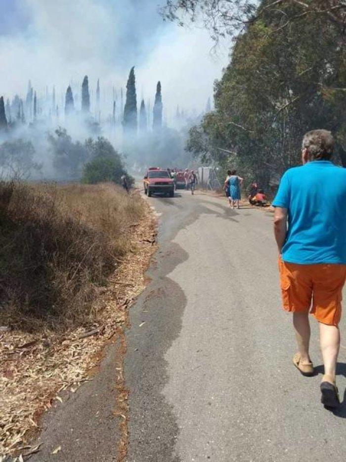 Σε ύφεση η φωτιά στους Ραχτάδες Κέρκυρας - Επέστρεψαν οι κάτοικοι