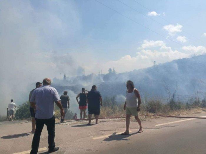 Xανιά: Μεγάλη φωτιά στον Αποκόρωνα κοντά σε σπίτια Εικόνες - Βίντεο - εικόνα 3