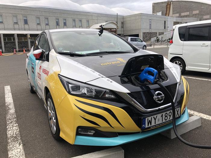 Πολωνία-Ιαπωνία: Εκανε ταξίδι 16.000 χιλιομέτρων με ηλεκτρικό Nissan Leaf