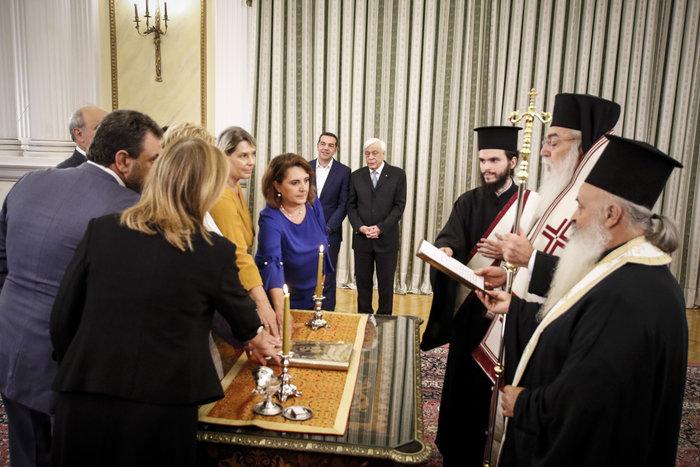 Ορκίστηκαν τα νέα μέλη της κυβέρνησης στο Προεδρικό Μέγαρο