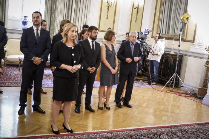 Ορκίστηκαν τα νέα μέλη της κυβέρνησης στο Προεδρικό Μέγαρο - εικόνα 3