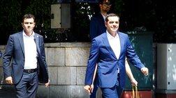 Ξένος Τύπος: Πολιτικά ανοίγματα Τσίπρα για να διεκδικήσει τον κεντρώο χώρο