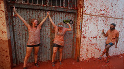 Iσπανία: Πανζουρλισμός στο φεστιβάλ Τομάτας στη Βαλένθια