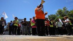 Μηχανοκίνητη πορεία εργαζομένων στους ΟΤΑ για τους συμβασιούχους