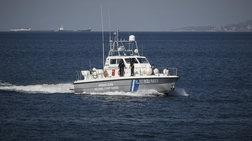 Σώοι τέσσερις επιβαίνοντες σε ακυβέρνητο ιστιοφόρο στη Σκιάθο
