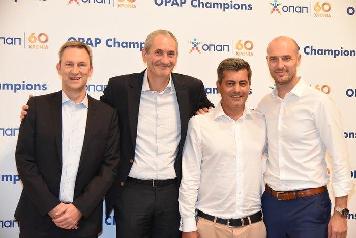 (από αριστερά προς τα δεξιά): Ντάμιαν Κόουπ, Διευθύνων Σύμβουλος ΟΠΑΠ, Καμίλ Ζίγκλερ, Εκτελεστικός Πρόεδρος ΟΠΑΠ, Οδυσσέας Χριστόφορου, Επικεφαλής Εταιρικών & Ρυθμιστικών Υποθέσεων ΟΠΑΠ, Πετρ Ματεγιόφσκι, Chief Customer Officer ΟΠΑΠ