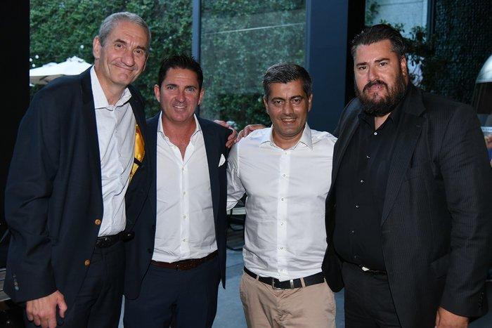 (από αριστερά προς τα δεξιά): Καμίλ Ζίγκλερ, Εκτελεστικός Πρόεδρος ΟΠΑΠ, Τσάβι Πασκουάλ, Προπονητής ΚΑΕ Παναθηναϊκός ΟΠΑΠ, Οδυσσέας Χριστοφόρου, Επικεφαλής Εταιρικών & Ρυθμιστικών Υποθέσεων ΟΠΑΠ, Αριστείδης Χριστόπουλος, Εμπορικός Διευθυντής ΚΑΕ Παναθηναϊκός ΟΠΑΠ