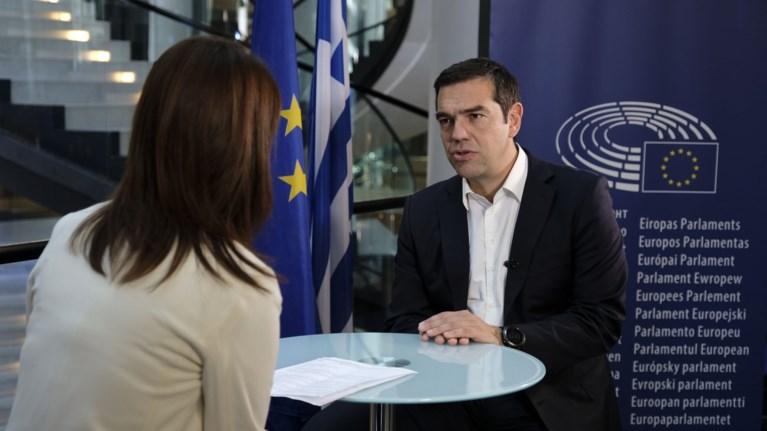 tsipras-gia-mi-perikopi-twn-suntaksewn-eimai-aisiodoksos