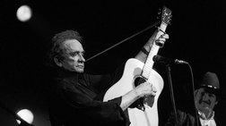 «Γεια σας, είμαι ο Johnny Cash», ο μουσικός και ο μύθος του