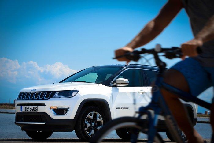 Το ποδήλατο μπορεί να είναι το βασικό μέσο μετακίνησης στο Μεσολόγγι, αλλά το Jeep Compass ήταν ιδανικό για να μας μεταφέρει ως εκεί