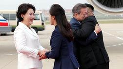 Αγκαλιές στη συνάντηση Κιμ Γιονγκ Ουν-Μουν Τζε-ιν (φωτό&βίντεο)