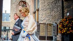 Bασίλισσα Μαξίμα: Το υπέροχο παστέλ φόρεμα και το εξωφρενικό καπέλο