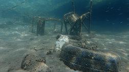 Reuters: Tα σκουπίδια στις ελληνικές θάλασσες