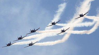 athens-flying-week-min-tromaksete-apo-tis-ptiseis-panw-apo-tin-athina