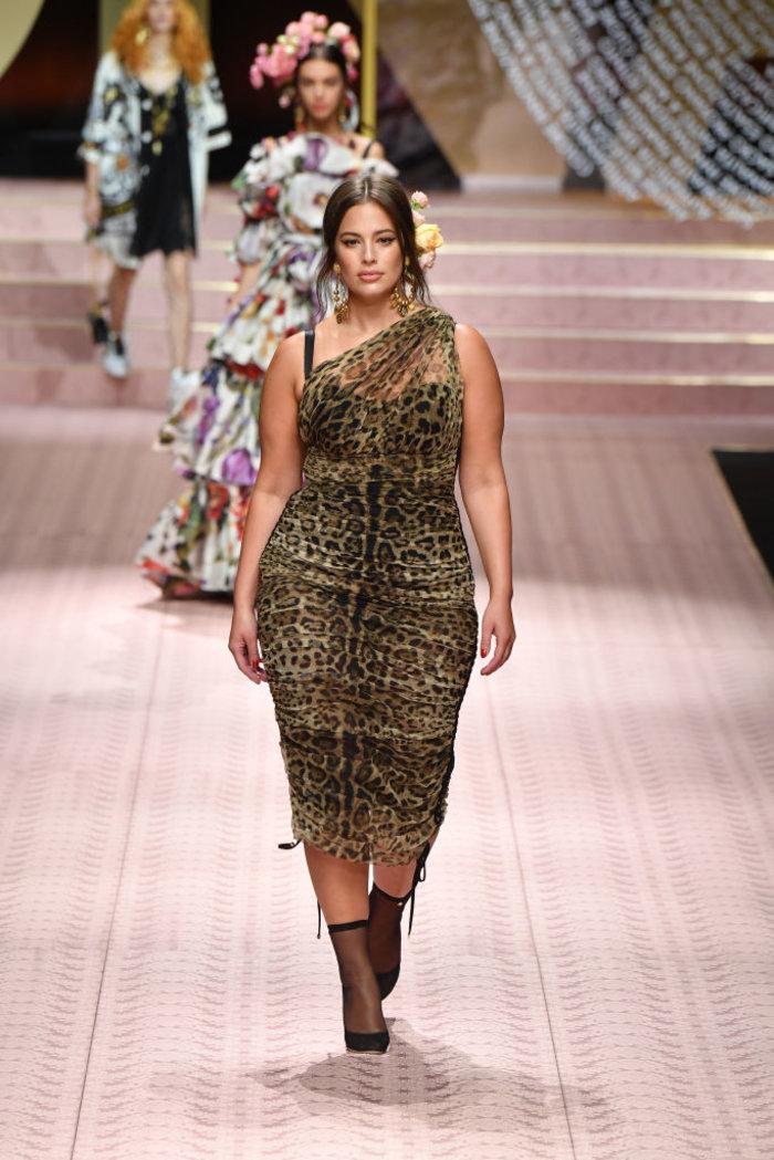 Άσλεϊ Γκράχαμ: Από την πασαρέλα των Dolce & Gabbana στη δική της συλλογή