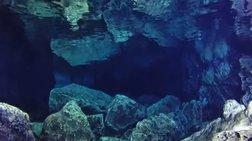 Εντυπωσιακές εικόνες από ανεξερεύνητο υποθαλάσσιο σπήλαιο