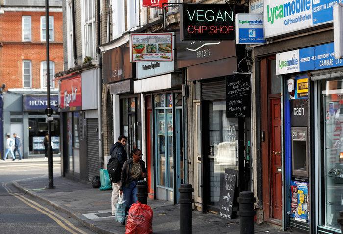 Στην κουζίνα του πρώτου εστιατορίου fish and chip για vegan στο Λονδίνο