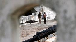 "H Μελάνια διέσχισε την ""πόρτα χωρίς επιστροφή"" - Εικόνες"