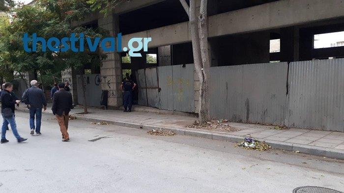 Θεσσαλονίκη: Επιχείρηση της αστυνομίας σε κτίριο με μετανάστες [Βίντεο]