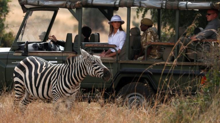 gia-safari-stin-kenua-me-apithano-louk-i-melania-tramp-eikones