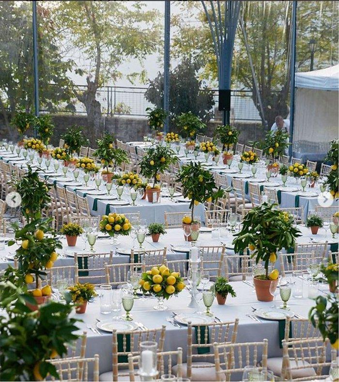 Γάμος Μενούνος: Υπερπαραγωγή Σκαρμούτσου με 1.500 λεμόνια & κρητικό μενού - εικόνα 2