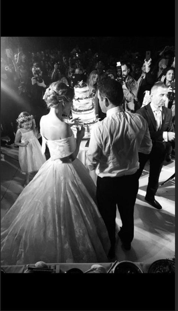Γάμος Μενούνος: Υπερπαραγωγή Σκαρμούτσου με 1.500 λεμόνια & κρητικό μενού - εικόνα 11