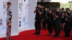 American Music Awards 2018: Η βραδιά της Τέιλορ Σουίφτ {εικόνες}